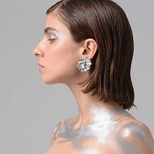 Load image into Gallery viewer, Medium round white gold FOLD earrings-jewellery-feihefeihefeihe-pu·rist