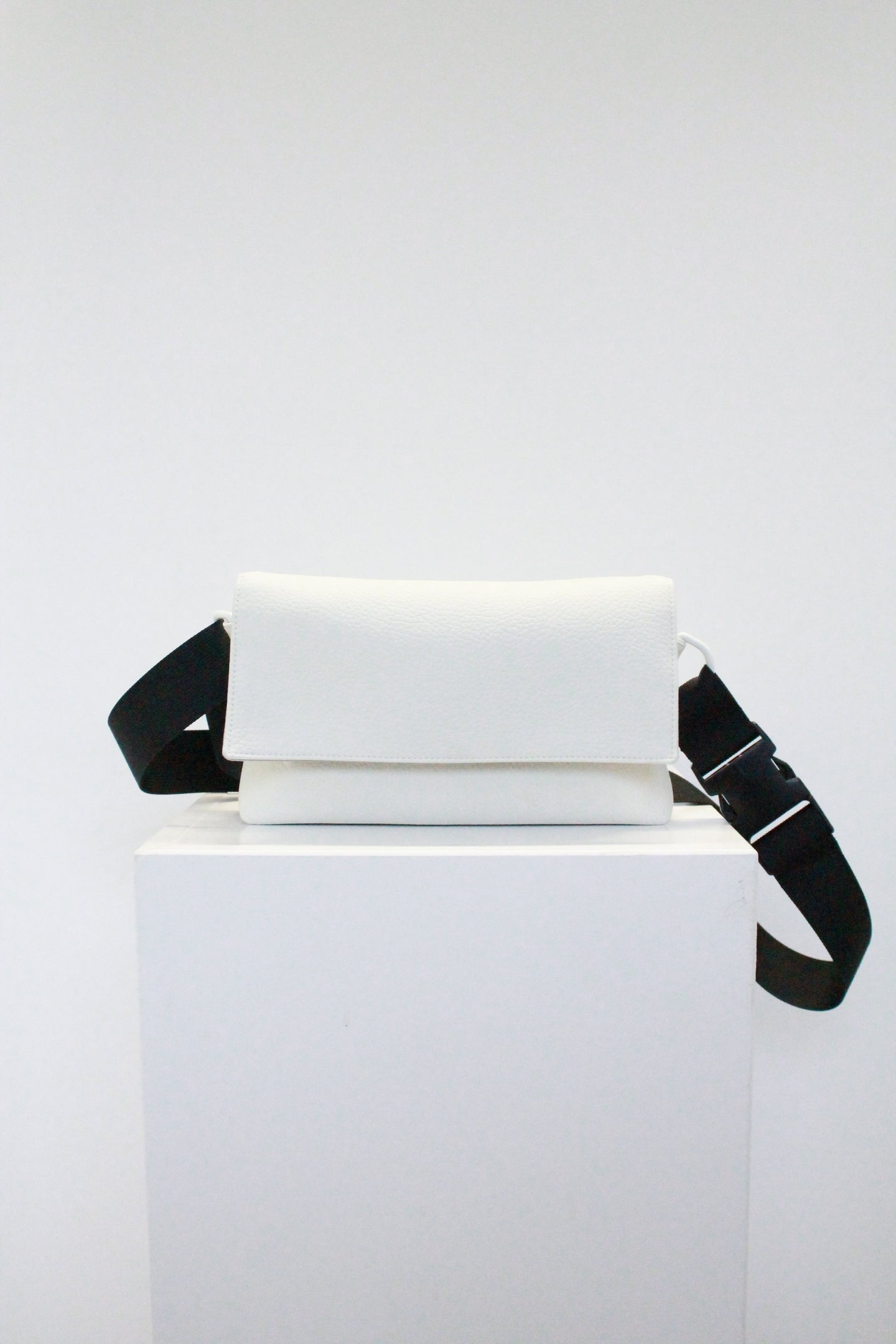MINIMAL CROSS BODY BAG bags from Hayley McSporran curated by pu·rist