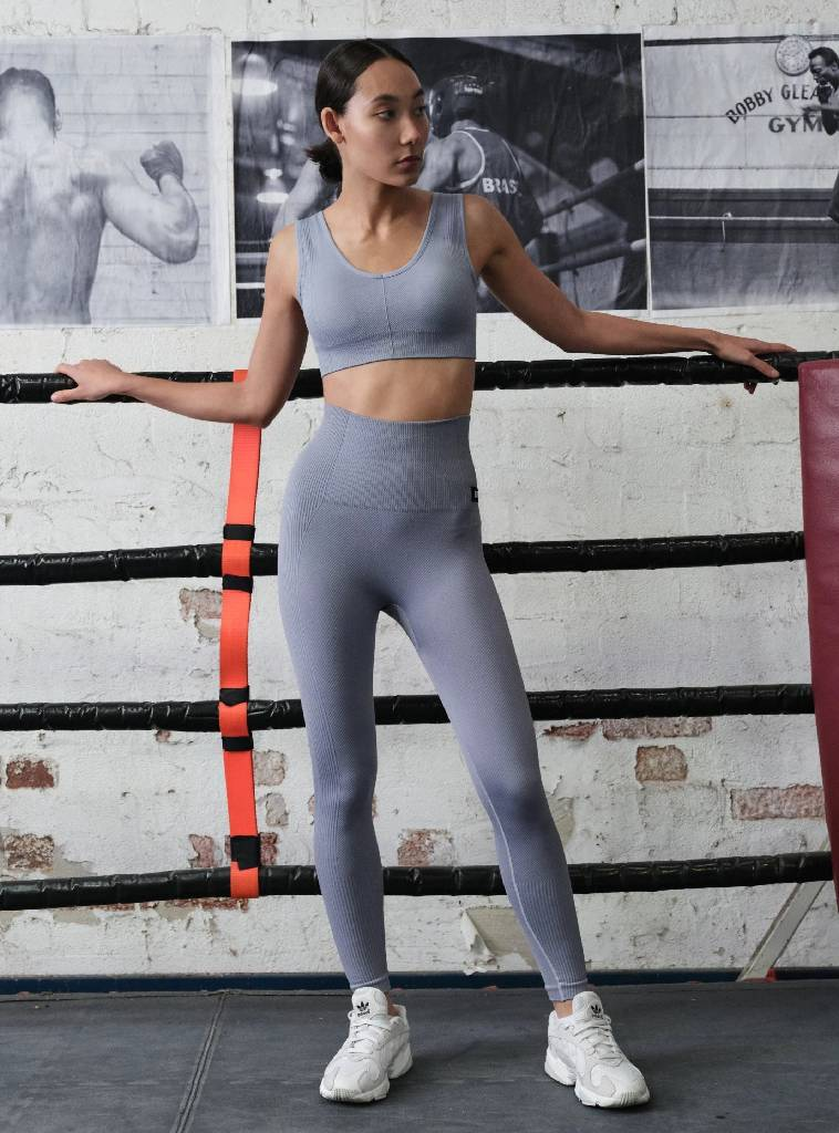 APEX LEGGING - CONCRETE BOTTOMS from EXIE curated by pu·rist