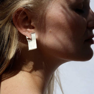 Hé earrings from J.anne curated by pu·rist