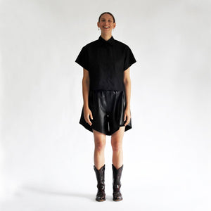 Boxy Shirt Axl Square | Black SHIRTS from EVA D. curated by pu·rist