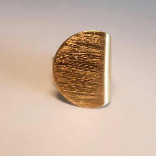 flatround ring from J.anne curated by pu·rist