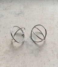 Load image into Gallery viewer, Minimal Geometric Earrings-Earrings-IIOO-pu·rist