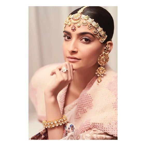Gold Earrings worn by Sonam Kapoor