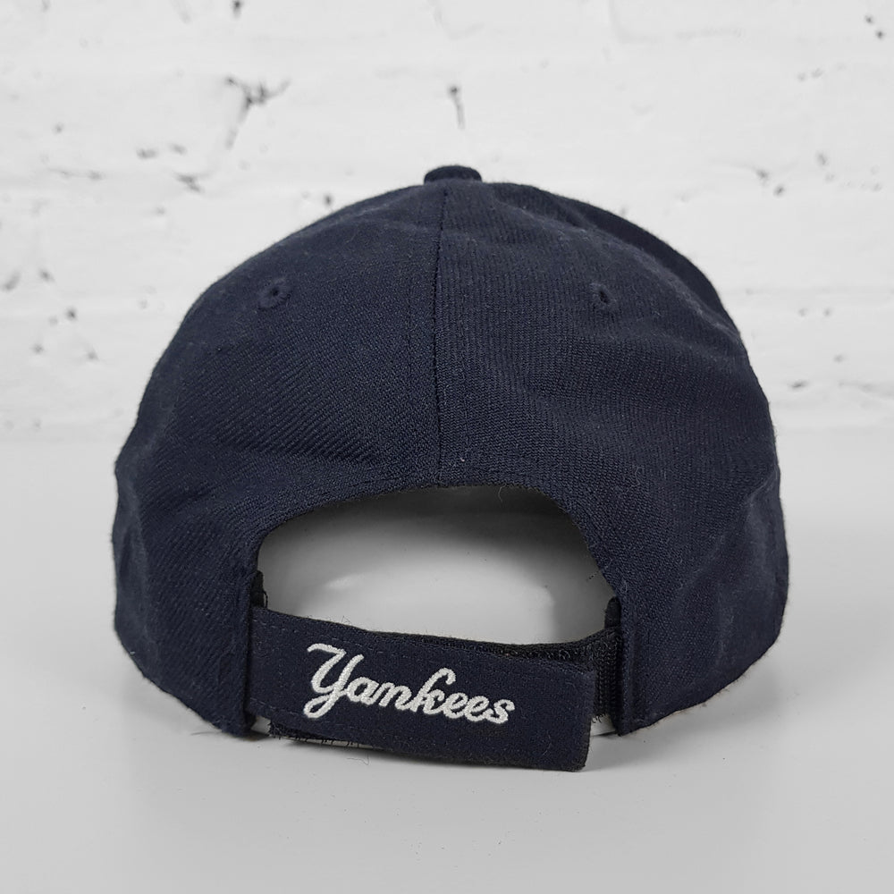 Vintage MLB New York Yankees Cap - Blue