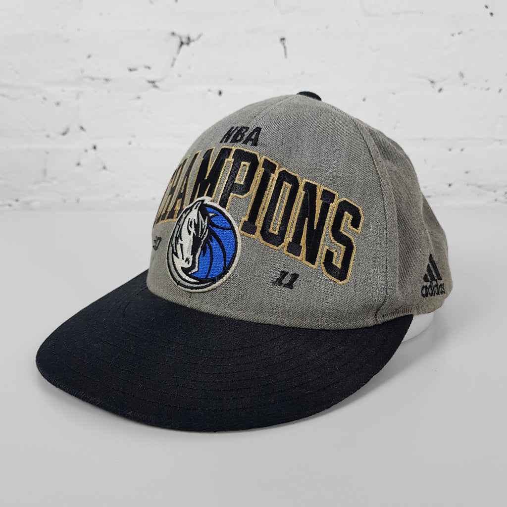 Vintage NBA Dallas Mavericks Champions Cap - Grey - Headlock