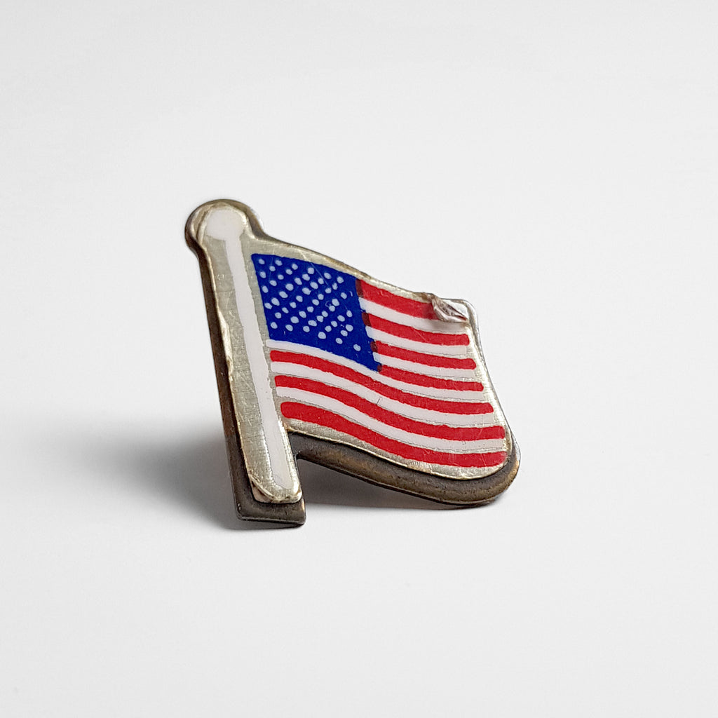 Vintage USA Flag Enamel Pin Badge - Red/Blue