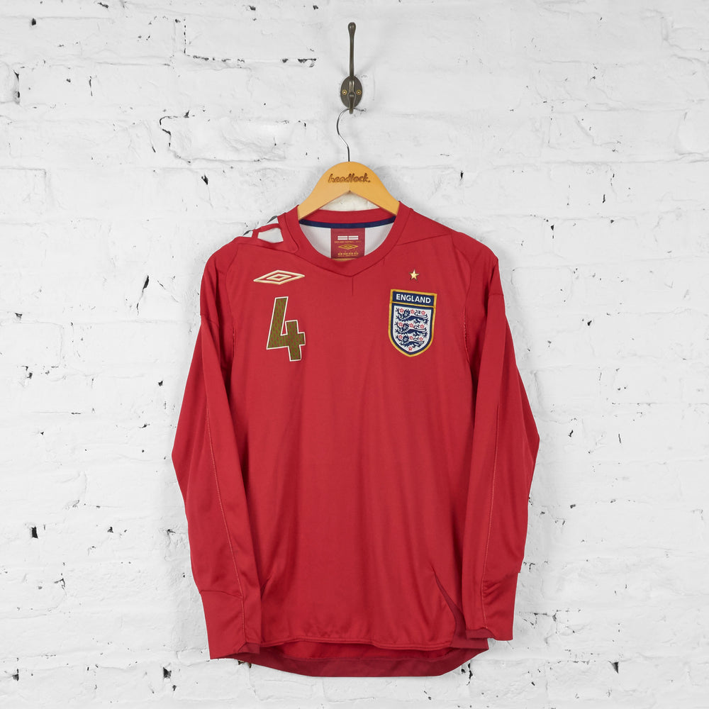 England Gerrard Long Sleeve 2006 Away Football Shirt - Red - S - Headlock