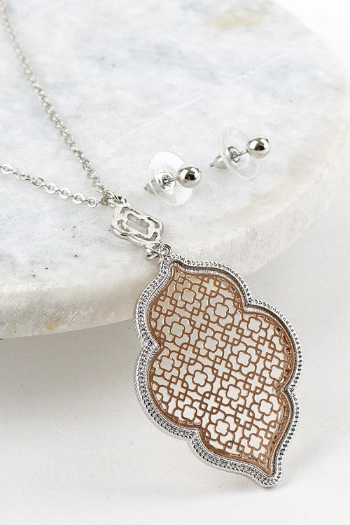 TWO TONE FILIGREE PENDANT LONG NECKLACE WITH POST EARRING SET