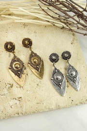 Engraved tribal detail dangle earring