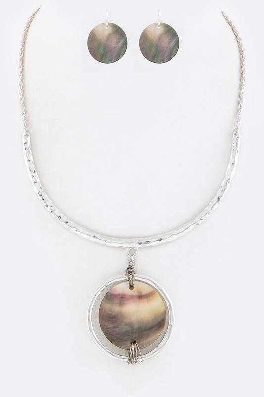Shell Disk Collar Necklace With Wire Wrap