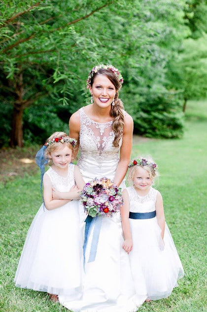 Beautiful bride with her flower girls. Succulent bridal bouquet, succulent flower crowns.