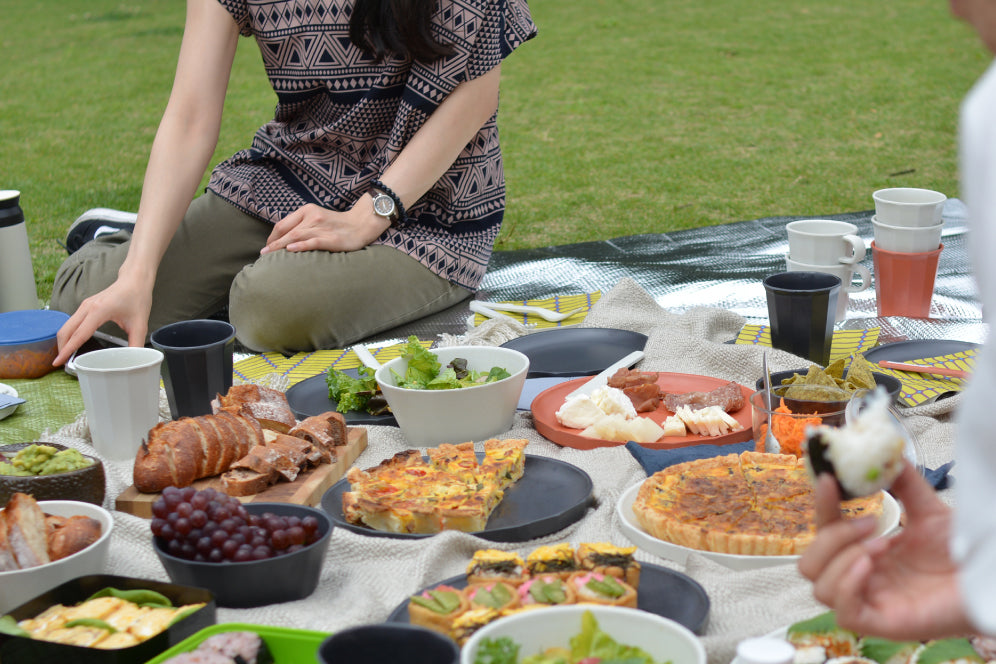 Picnic setting with ALFRESCO collection