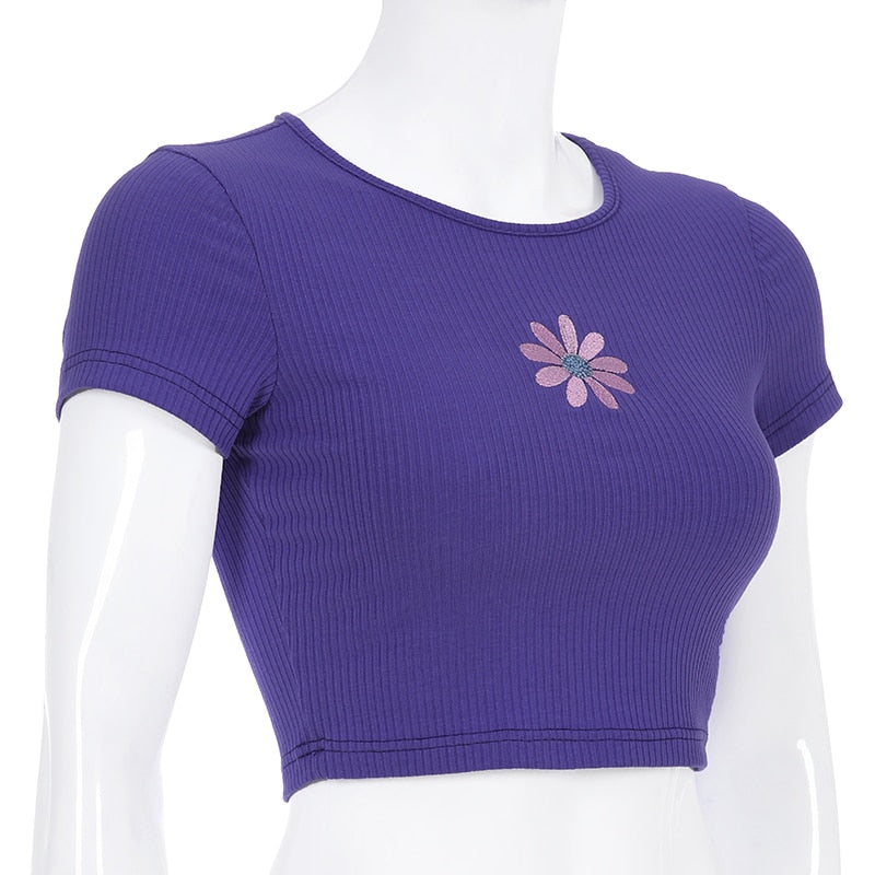 EMBROIDERED FLOWER CROP TOP