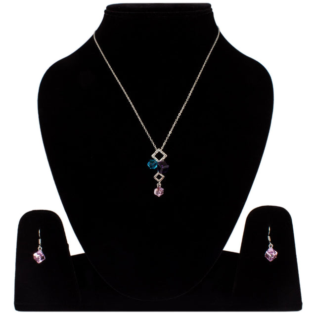 Addic Bold & Beautiful Silver Elegant Pendant & Eerrings Set