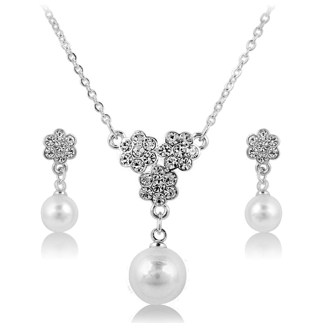 Addic Sparkling flower Detailed Pearl Silver Pendent & Earring Set.