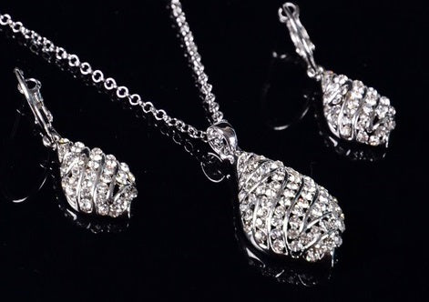 Addic Uber Stylish Minimalist Crystal Studded Silver Pendant & Earrings