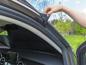ISOLITE Outdoor fits exactly and is simply placed onto the windscreen and on the insided fixed to the A-pillar with hook-and-loop fastener.