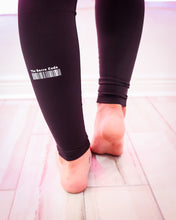 Load image into Gallery viewer, The Barre Code Elastic Frame Performance Legging