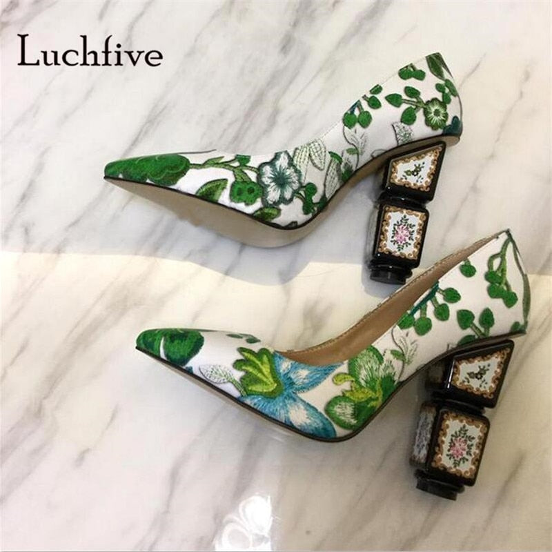 Fashion Embroider Women pumps pointed toe shallow women shoes strange High heels wedding party slip on black green zapatos mujer
