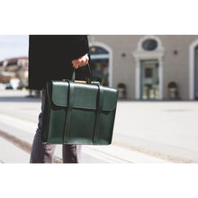Laden Sie das Bild in den Galerie-Viewer, Noble Leather - Green Wood Bag