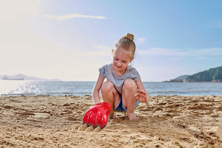 Hape Power Paw,Red perfect for the sand or backyard play with quality outdoor toys The Toy Wagon