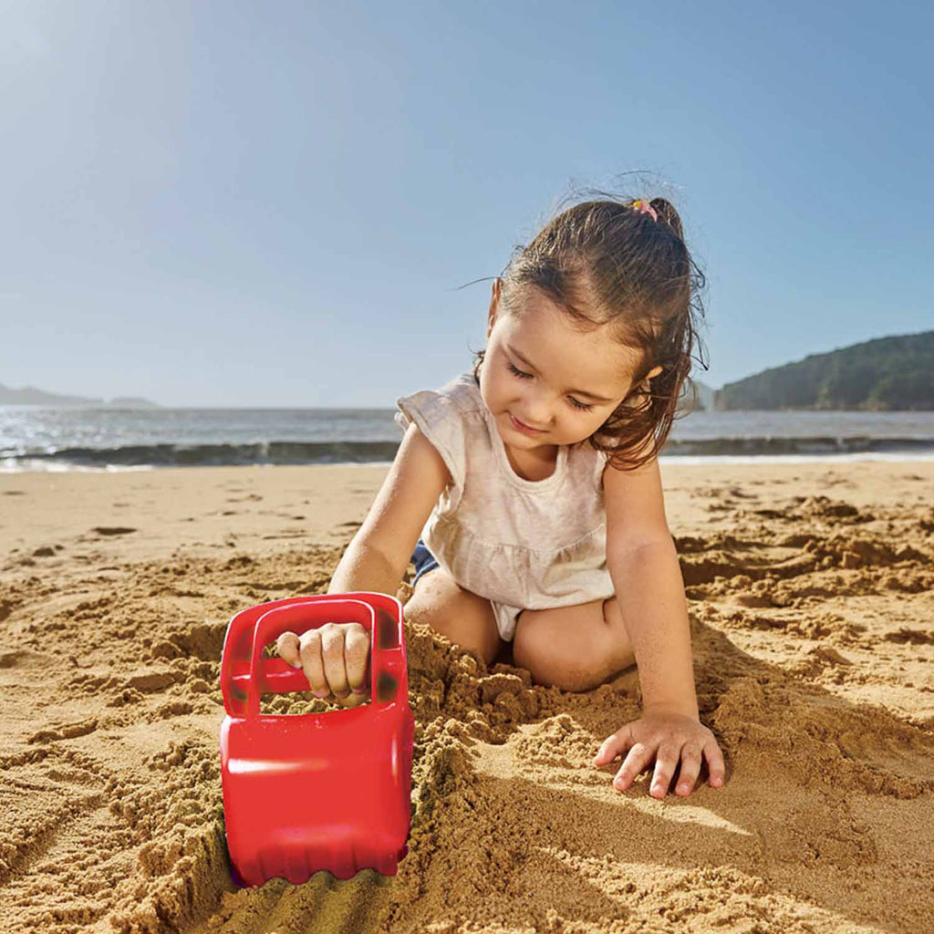 Hape Hand Digger - Red perfect for the sand or backyard play with quality outdoor toys The Toy Wagon