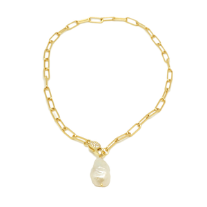 Lock Pearl Necklace