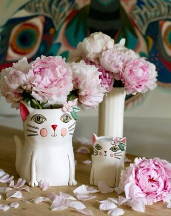 Pretty Kitty White Planter