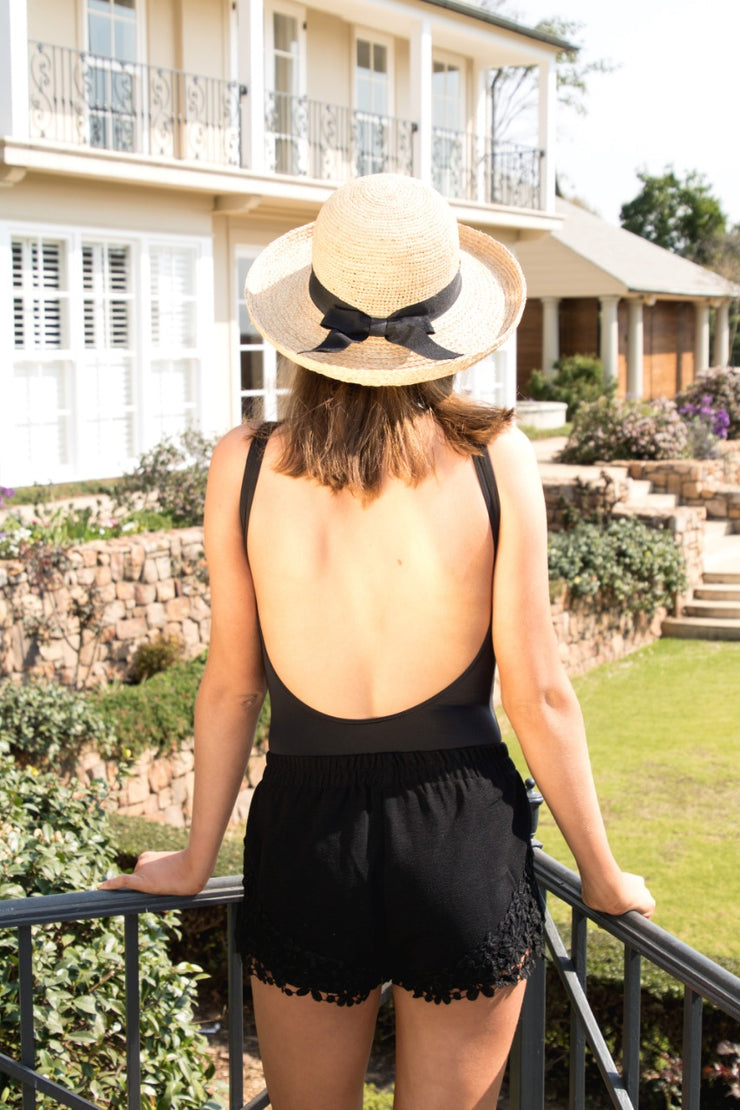 Hamptons Hat – Round Shape - Elizabeth Summer