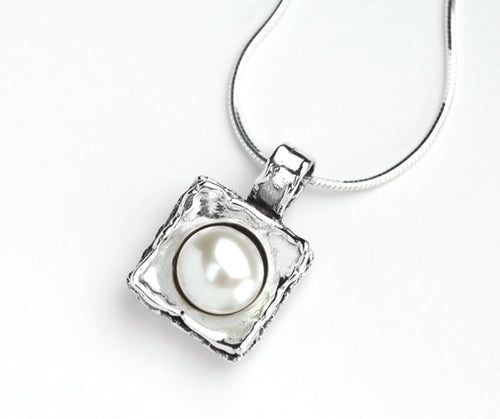 Silver Square Pearl Necklace