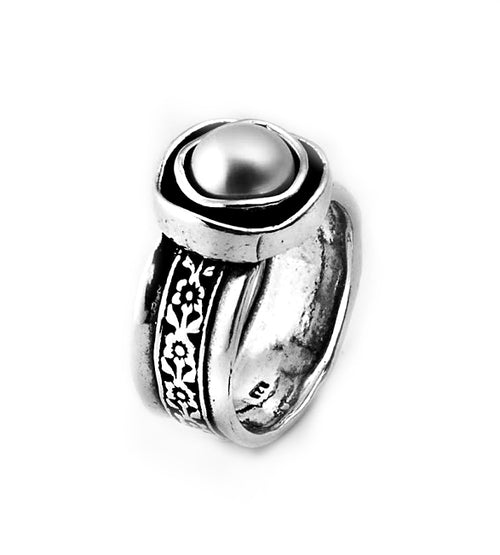 Engraved Silver Pearl Ring