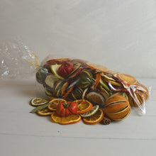 Load image into Gallery viewer, Large Cinnamon & Orange Potpourri Bag