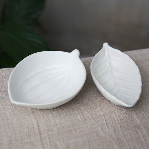 Wide White Leaf Dish