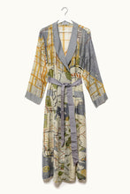 Load image into Gallery viewer, New York Dressing Gown