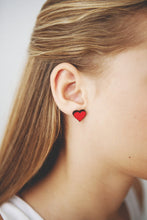 Load image into Gallery viewer, Sweet Heart Earrings