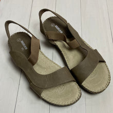Load image into Gallery viewer, Taupe Sandals