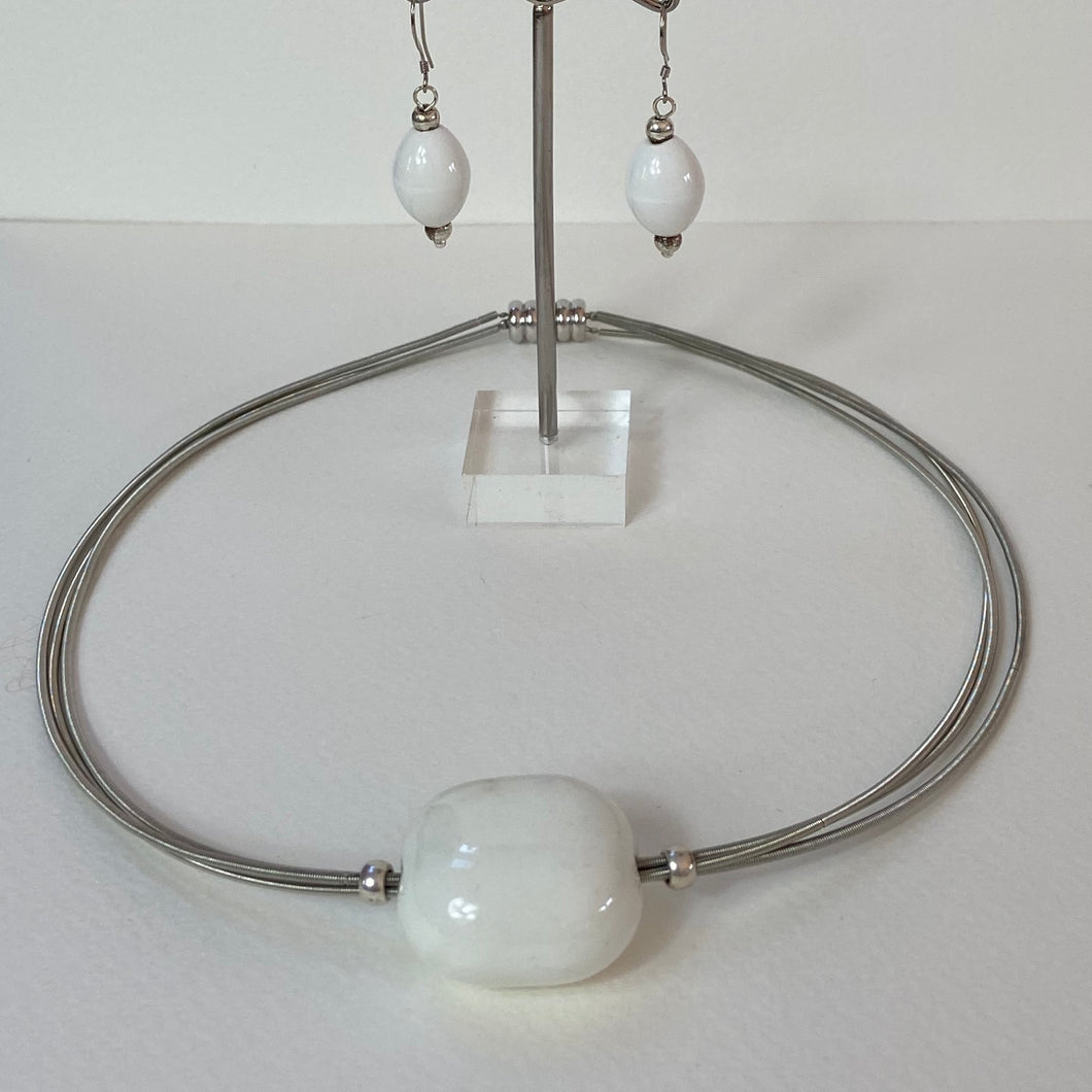 White Pebble Necklace