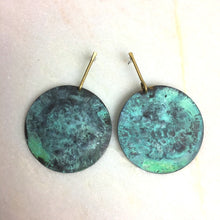 Load image into Gallery viewer, Gold & Green Disc Earrings