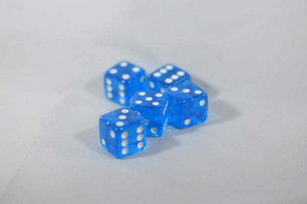 5 BRAND NEW BLUE  DICE 19mm 5 Great DICE Casino PLAY Home Games Crafts BIG FUN