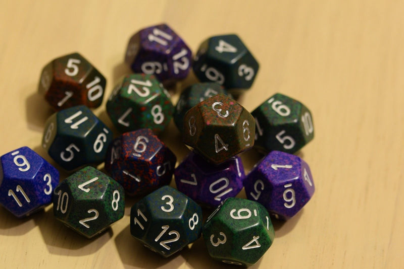 Random Set of 18mm d12 Twelve Sided RPG Dungeons and Dragons Dice (6) Chessex
