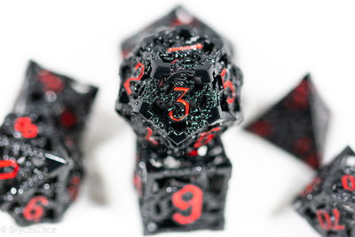 Heart 'Cirrus' 16mm D6 Chessex Dice - White with Black Hearts