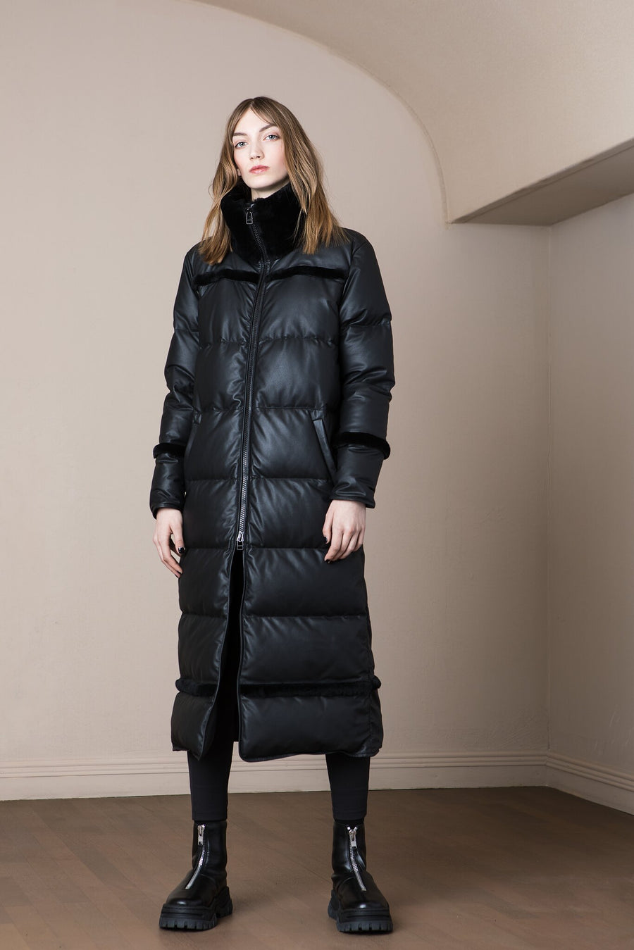 Hekla Coat Black