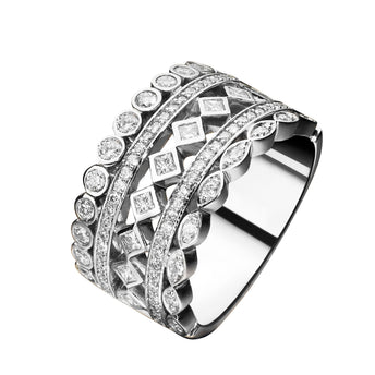 18CT DIAMOND CARNABY RING