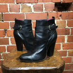 VIVIENNE WESTWOOD leather ankle boots 38