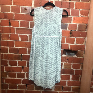 NOM-D leaf print crepe dress