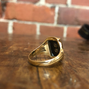 10K gold and Onyx signet ring