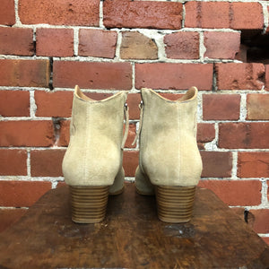 Suede western style ankle boots 37