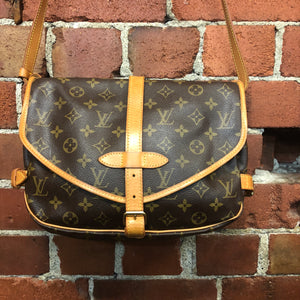 LOUIS VUITTON Saumur bag