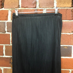 PLEATS PLEASE tube skirt